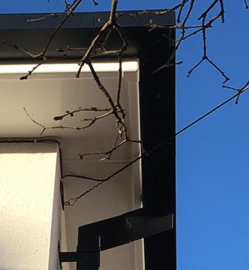 Sevenoak - Legion Box Gutter with Colonnade Flushjoint Square Downpipes